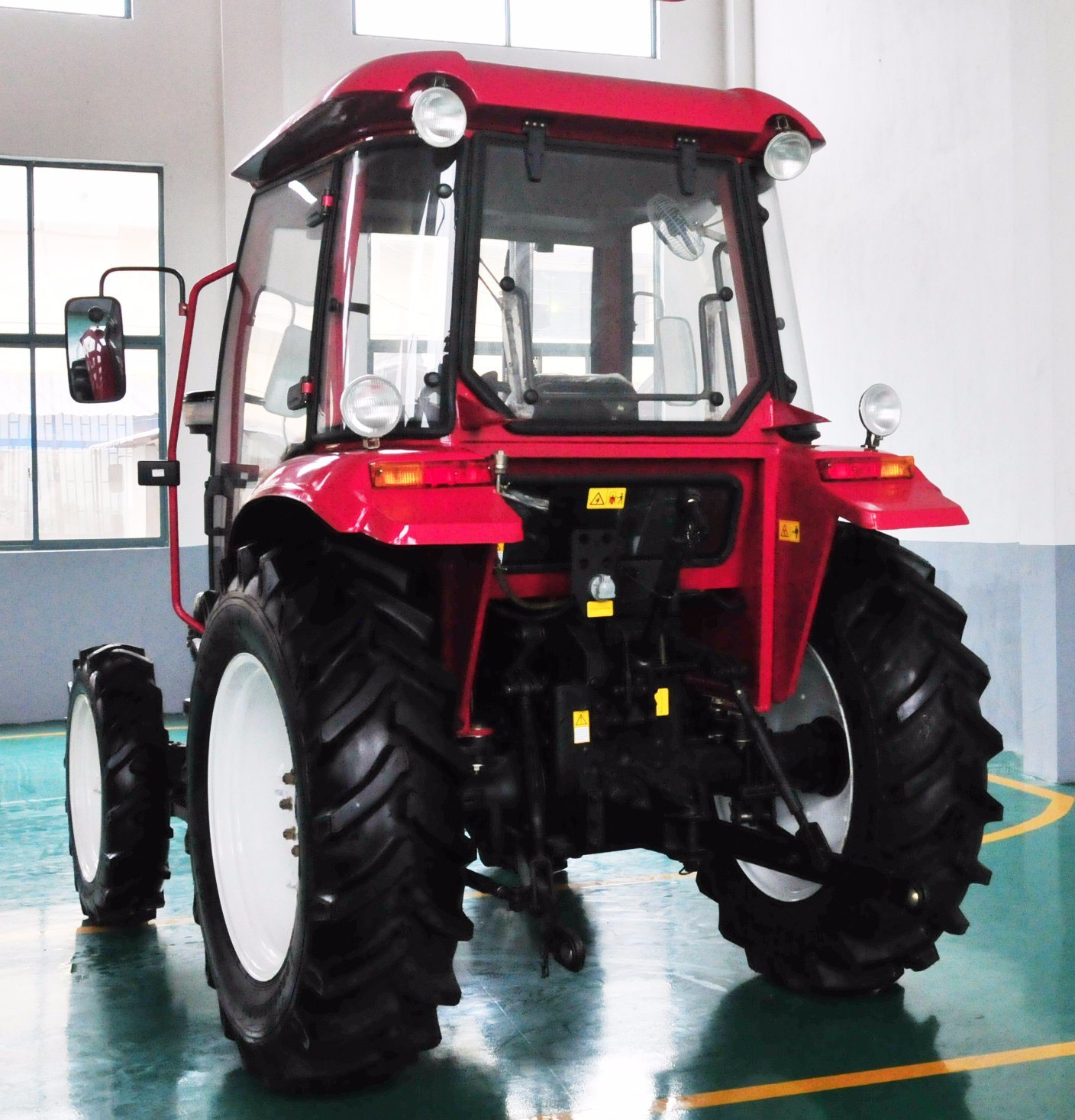 Hot Selling 75HP Farm Tractor with Ce and Good Quality