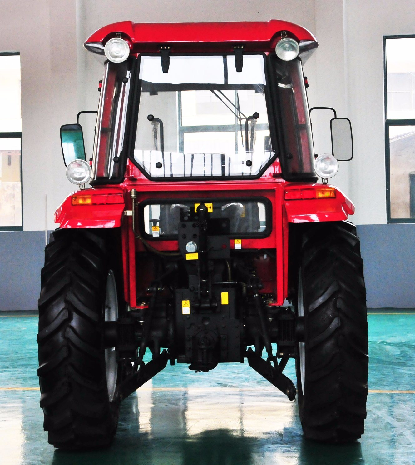 High Quality 65HP Farm Tractor with Ce for Hot Sale